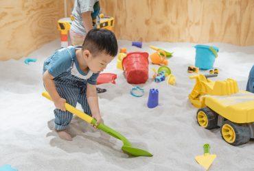 木製玩具、馬卡龍球池、沙坑玩到飽,盡情放電的分齡親子空間|共好
