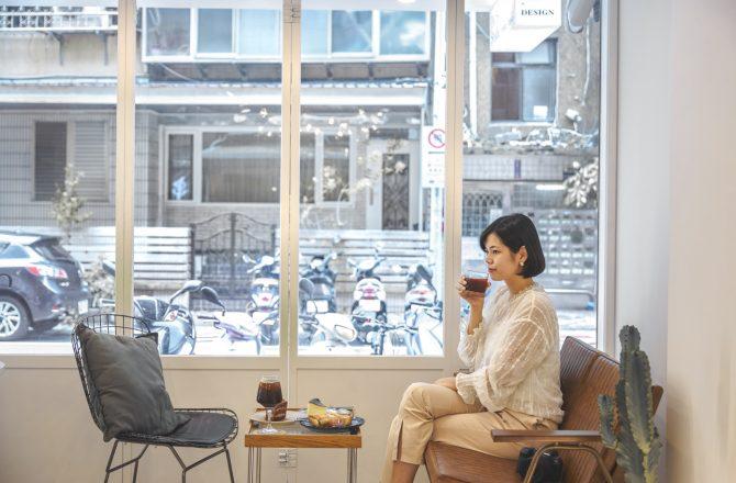 PAUSE studio 新裝潢變身極簡純白咖啡廳,值得按下暫停鍵細品 民生社區咖啡